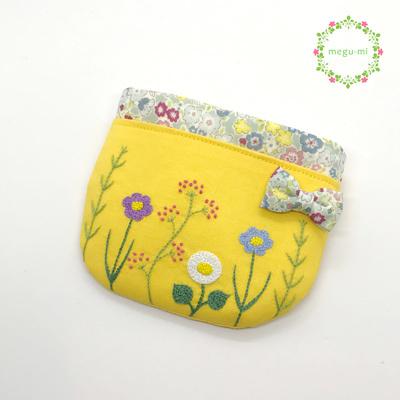 お花の刺繍移動ポケット(ふたなし・イエロー)
