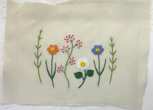 お花の刺繍 ふたなし移動ポケット(ベージュ)女の子